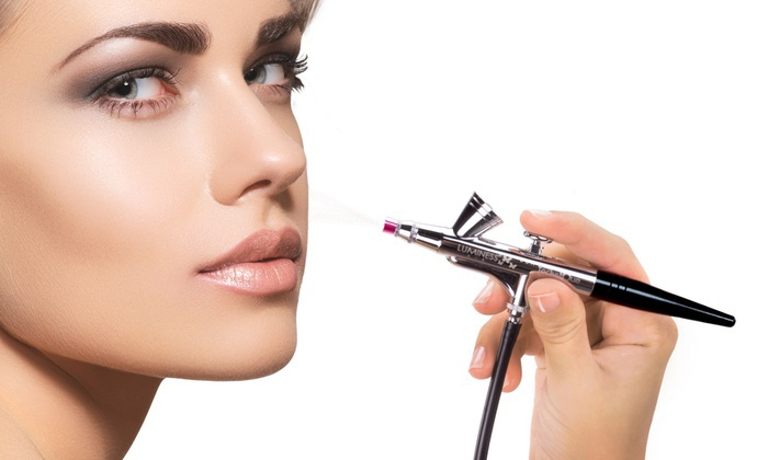 Learn the advantages of airbrush makeup